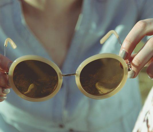 scegliere gli occhiali da sole in base alla forma del viso